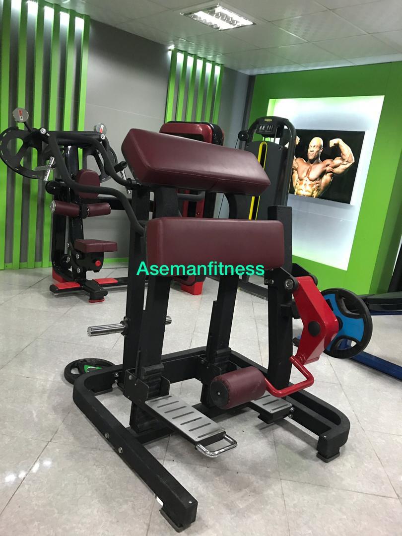 تمرینات پا با دستگاه های بدنسازی