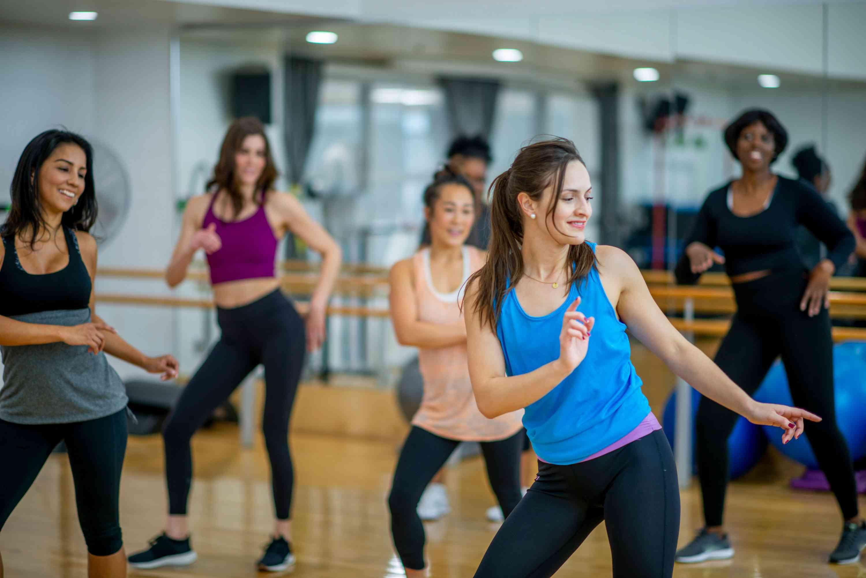 رقص زومبا یا ورزش و دنس زومبا چیست؟ + ویدیو